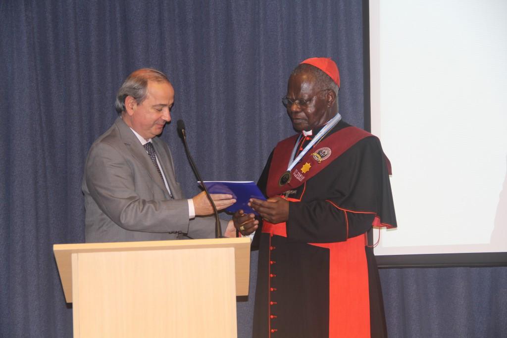 Director de Culto declarando de interés el Doctorado Honoris Causa de la UFASTA al Cardenal